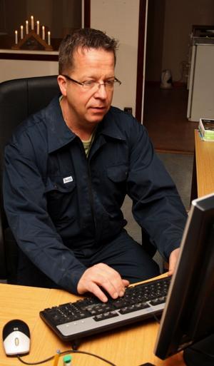 Torleif Westerlunds personal ska kunna gå in i företagets dator och kolla hur företaget går. Det är viktigt att alla vet hur ekonomin ser ut menar han.