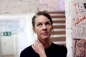 En hektisk tid är det nu för Isabella Lundgren i Härnösands teater