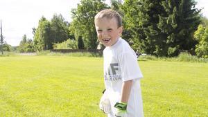 Bland fotbollsskolans deltagare syntes bara glada miner.