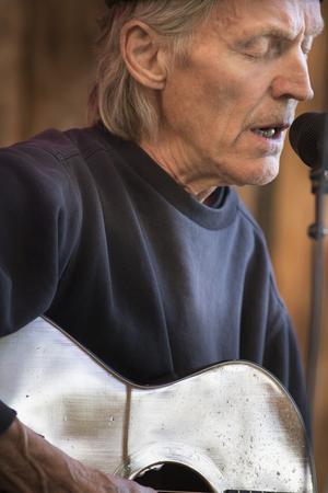 John Holms musik glänser fortfarande, konstaterade en stor publik i Ljusdal.