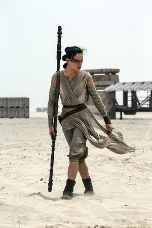 Daisy Ridley som Rey i