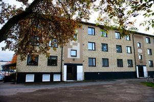 Det var här, i en lägenhet på Axel Jonssons väg 96, som Pernilla Theorin mördades under natten till den 13 augusti 2006.