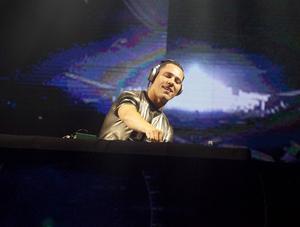 Tiësto spelar på nya hårdsatsande festivalen Weekend Festival Sweden, som hålls 5-6 augusti på Östermalms IP i Stockholm.