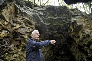 - Jag är nog lite av en Alunmissbrukare, bekände Jörgen Stenlund som på Tysslingedagen erbjöd guidade gruvvandringar i Beate Christine Alunverkets spår.