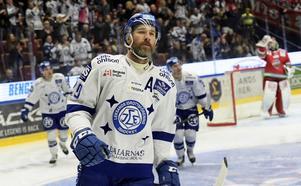 En av kvalhjältarna, Tommi Paakkolanvaara, fick lämna LIF under hösten.
