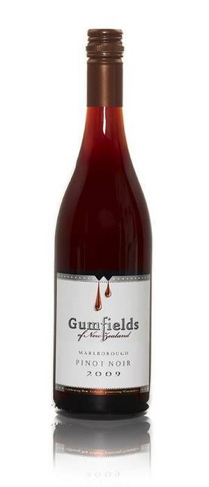 Gumfields Pinot Noir – läckert vin, gärna till en fin middag.