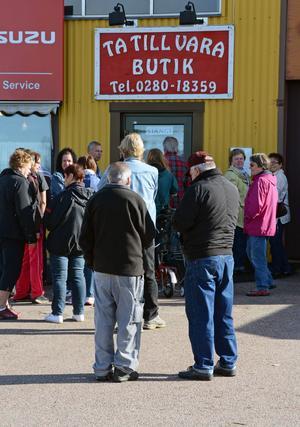 Malungs populäraste butik? Här är det kö varje gång, innan bugtiken öppnar.