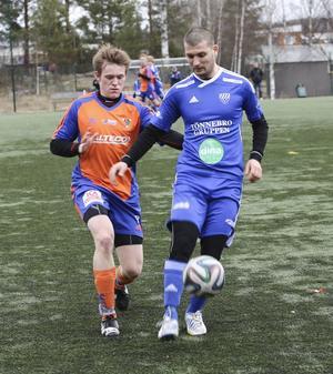 Rengsjös Aimen Sewed gjorde två assist i 2–2-matchen mot Bollnäs på försäsongen. Nu gör han seriedebut.