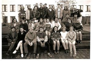 Då. Så här såg det ut för 20 år sedan, när ett antal utbytesstudenter från andra länder läste på Högskolan i Örebro.