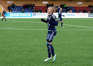 Johanna Axfeldt spelade sin första hela match i Damallsvenskan när Kvarnsvedens IK mötte Rosengård i premiären.