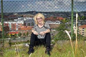 """""""Jag har hört flera olika tolkningar av slutet"""", säger Carolina Fredriksson om responsen på romandebuten """"Flod""""."""
