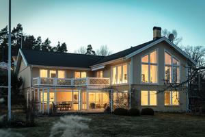 Mest klickad är denna villa med sjötomt.