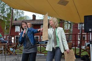 Trion Kvinnfölk underhöll med sång och musik.