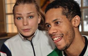 Basketparet Stina Nilsson och Andrew Mitchell leder var sitt Jämtland Basketlag från sina guardspositioner.Foto: Hans-Råger Bergström