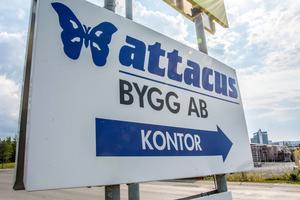 13 mister jobbet när Attacus väljer att avveckla del av företaget.