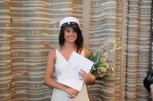 Malin Kihlström belönades med Horndalsrevyns ungdomsstipendium.