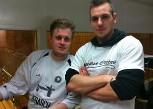 Johan Ivhall och David Törnros var båda engagerade i annandagens futsalcup i Kumlahallen.