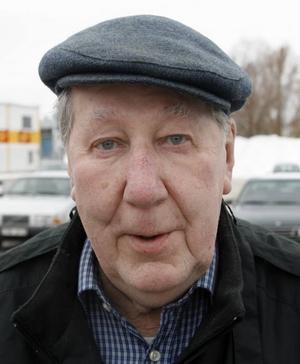 Ivan Persson, 84 år, Hemlingby– Sju, åtta stycken vanliga semlor.Rauni Putto, 66 år, pensionär, Bomhus– Två stycken vanliga.