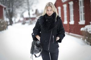 Modellbranschen har format Lovisa mycket, i början var hon en osäker tjej och följde med strömmen men nu är hon otroligt självständig.