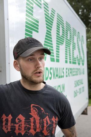 Tobias Huhtamäki är säker på att han betalade uppkörningsavgiften i förskott men det fanns inte något förskottskrav före november 2011 så det gäller att bevisa att räkningen är betald, preskriptionstiden för skulder gentemot myndigheter är tio år.