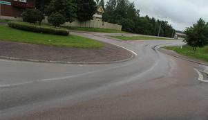 Olyckan inträffade efter rondellen vid Stationsvägen i Fagersta.
