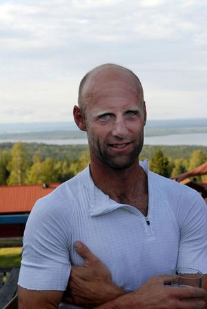 Joakim Augustsson återvände till det svenska skidlandslandslaget inför förra säsongen efter ett par som vallare åt amerikanerna.