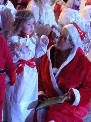 3-åriga Mathilda sjöng sin favoritsång
