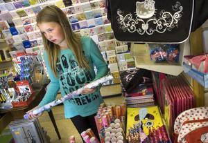 Linn Rosvold gillar lila så valet av bänkpapper gick ganska fort.