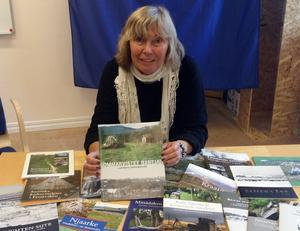 Ewa Ljungdahl vid Gaaltije är starkt engagerad i sydsamernas historia. Under årens lopp har hon medverkat i flera böcker och gjort en rad informationsskrifter som har fått vid spridning.