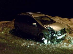 Vansinnesfärden slutade i en våldsam krasch. Vittnena såg hur bilföraren var redlöst berusad.
