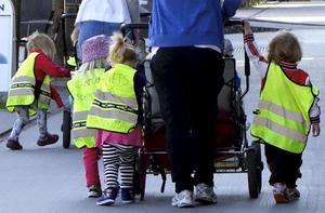 30 nya förskoleplatser blir tillgängliga när två avdelningar tillkommer på den tillfälliga förskolan Bullerbyn i Hedemora. Bilden har inget samband med artikeln.Foto: Hasse Holmberg/TT