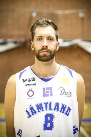 Andreas Karlsson, 25 år, forward. 200 cm.
