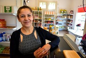 Efter drygt ett år bakom disken så söker Awaz en efterträdare som vill fortsätta driva den orientaliska livsmedelsbutiken i Ånge.
