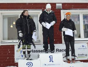 Tessan Berglund, Järvsö, vann damtävlingen både lördag och söndag. Bergsjö Hasselas Ida Trönnhagen, längst till vänster, var tvåa lördag och trea söndag.