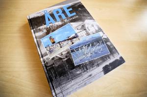 Åre -byn som försvann är en nyutgiven bok. Författare är Tom WIdlund, Ås, vars familj ägde en hotellkoncern i Åre under flera år.
