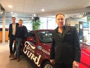 Kia blev Ford och Windahls i Västerås blev Hermibil i Mälardalen AB. Fords affärsutvecklingschef Niklas Granath och informationschef Erik Lindham besökte på måndagen Västerås och Håkan Börgel, ny vd för Hermibil i Mälardalen AB.