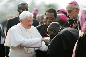 Påven ger inte Katolska kyrkan någon goodwill.