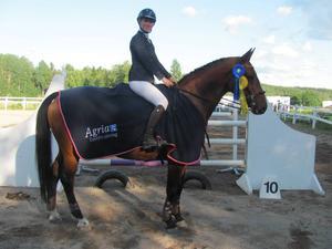 Gestrike Sportryttares Johanna Frunck blev meetingvinnare i Svärdsjö RK:s Kråkhoppet för häst.