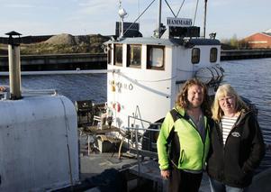 Ombord på båten Hammarö lever Christer och Ingrid en avslappnad tillvaro.