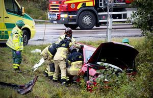 Personbilen kolliderade med en lastbil vid utfarten till E4 i Härnösand.