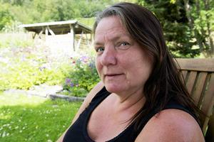 Marita Olofsson tänkte på höns direkt när hon såg gården som hon ville köpa.