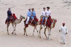 Eric Gadd, Magnus Johansson, Jessica Andersson, Nassim Al Fakir och Oscar Zia i Dubai.