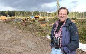 """""""Skogsbolagen agerar taktiskt och massanmäler avverkningar"""", enligt Rolf Lundqvist, Enviken."""