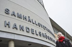 Caroline Tåneland har tagit det stora steget att flytta för studiernas skull. Hon pluggar på Umeå Universitet där hon läser bland annat statsvetenskap och juridik.