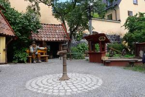 Ungefär så här kan miniatyrstaden komma att se ut i Säterdalen efter inspiration från en lekpark i Stockholm ritad av Lekplatsbolaget. Foto: Ivar Inkapööl