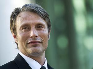 """Mads Mikkelsen har nominerats i kategorin bästa skådespelare för sin insats i """"Jakten"""", som nominerats till totalt fem priser."""