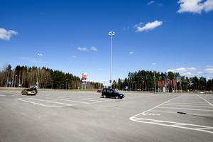 Byggnads- och miljönämnden beslutade att planen  för Valbo Köpstad ska ut på samråd den 16 april.