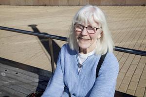 Astrid Wikner, 83, Frösön   Ja, och jag tycker att man åtminstone ska ta och rösta nu när vi har fått en kallelse. Alla har sitt ansvar för ett bra samhälle och måste se till att engagera sig.