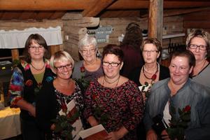 Grattade blev från vänster Gun Söderberg, Nina Persson, Harriet Wixner, Helena Ekvall, Ann-Christine Lind, Katrin Bergström Klang och Ann-Kristin Jouaud