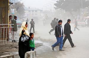 """""""Som medmänniskor och aktiva i en biståndsorganisation som Svenska Afghanistankommittén så kan vi inte se på utan att protestera då en afghansk asylsökande som bott nästan fyra år i Sundsvall tas i förvar och riskerar skickas tillbaka till Kabul trots att han inte kommer därifrån"""", skriver Sundsvalls Afghanistankommitté."""